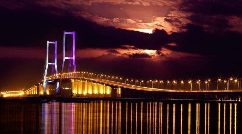 Jembatan suramadu wisata surabaya