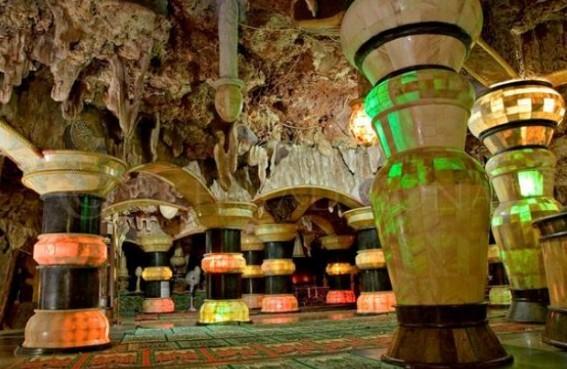 Masjid Bumi Gua Ashabul Kahfi Al-Maroko Tuban